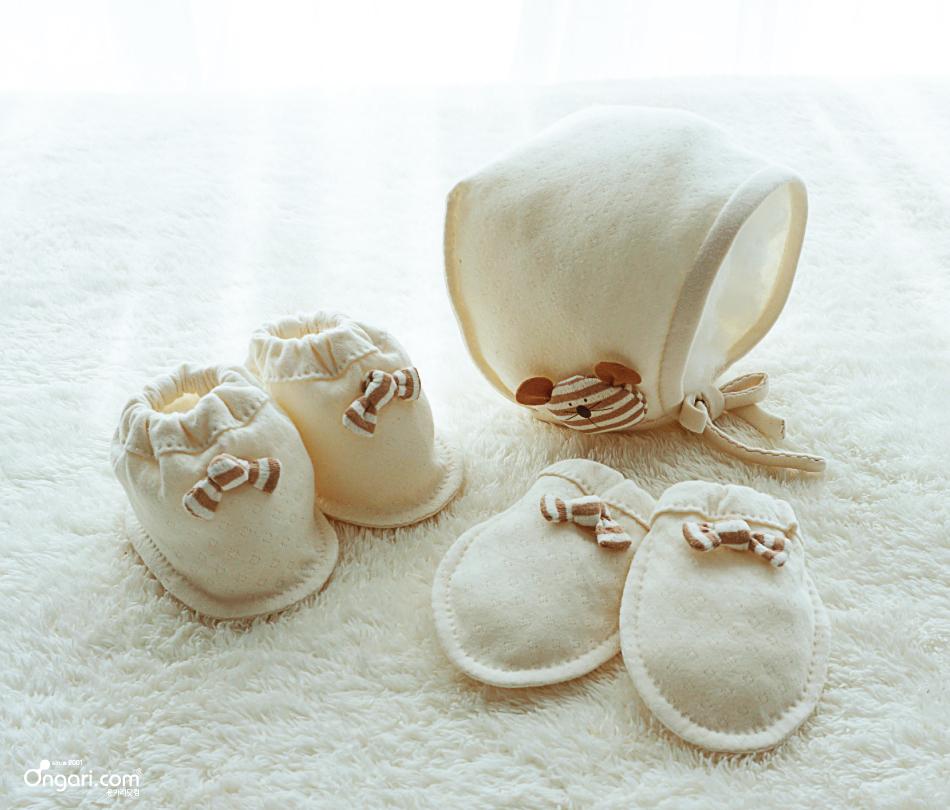 베이비보닛과 손,발싸개 만들기